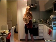 animated blondie amateur wanks in her kitchen Thumb