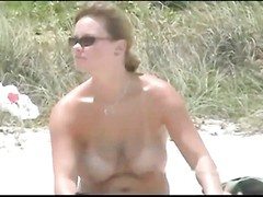 wonderful melons and caboose  on amateur beach babe Thumb