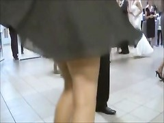Classsic uninteresting! Upskirt in wedding Thumb