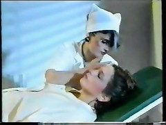Pregnant Babe with the Horny Nurse and Doctor Thumb