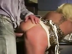 Amateur mature in boots gets laid Thumb