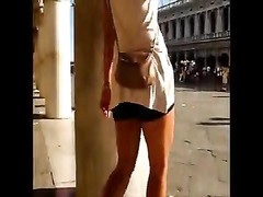 sexy candid milf great legs & shoes Thumb