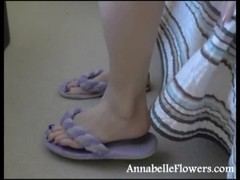 Sweet milf Annabelle Flowers demonstrates her soles in the close-up Thumb