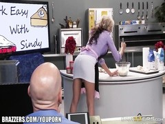 Brazzers - Sindy Lange gets fucked in the kitchen Thumb