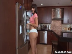 Mexican milf with big ass posing in kitchen like a pro Thumb