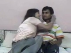 Indian college super horny girl using her boy friend Thumb