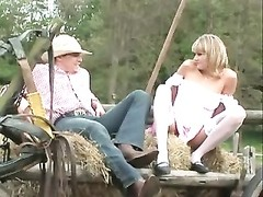 Farmgirl having anal sex in nature Thumb