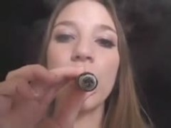 A smoke and a threeway Thumb